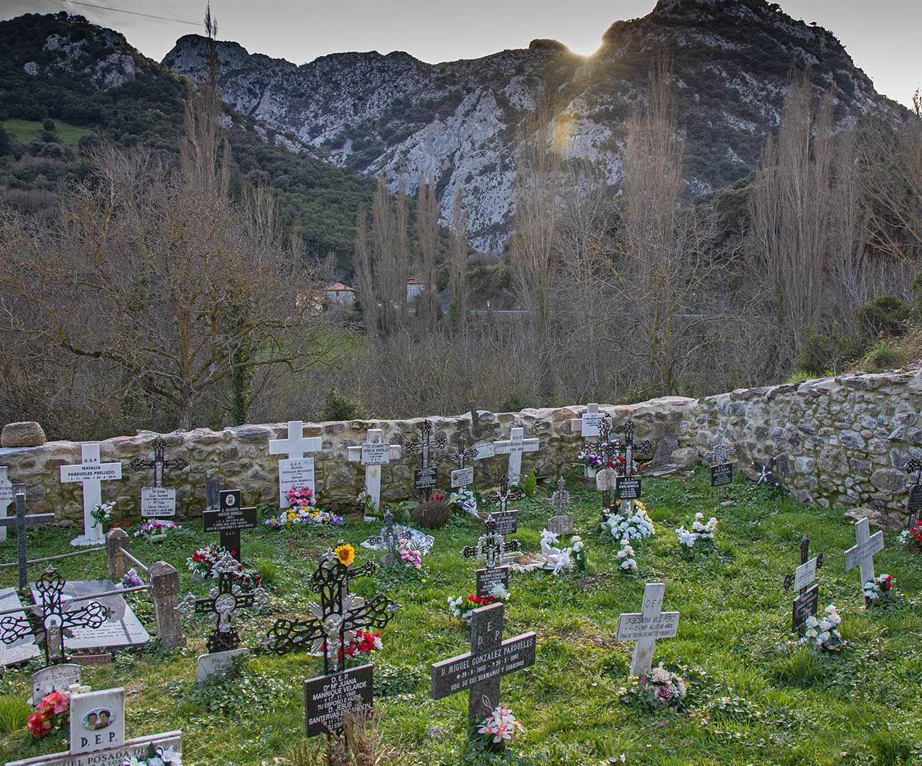 Cemententerio Santa Maria Lebeña
