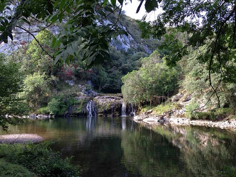 Cascada Río Nansa